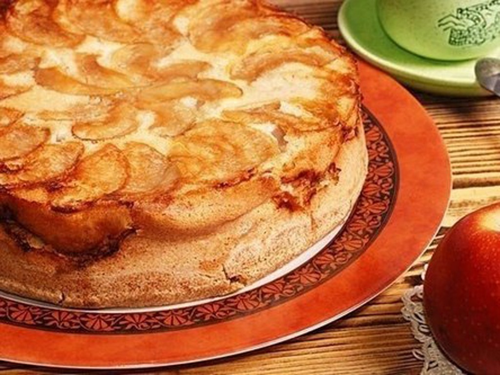 рецепт яблочной шарлотки на кефире в духовке рецепт