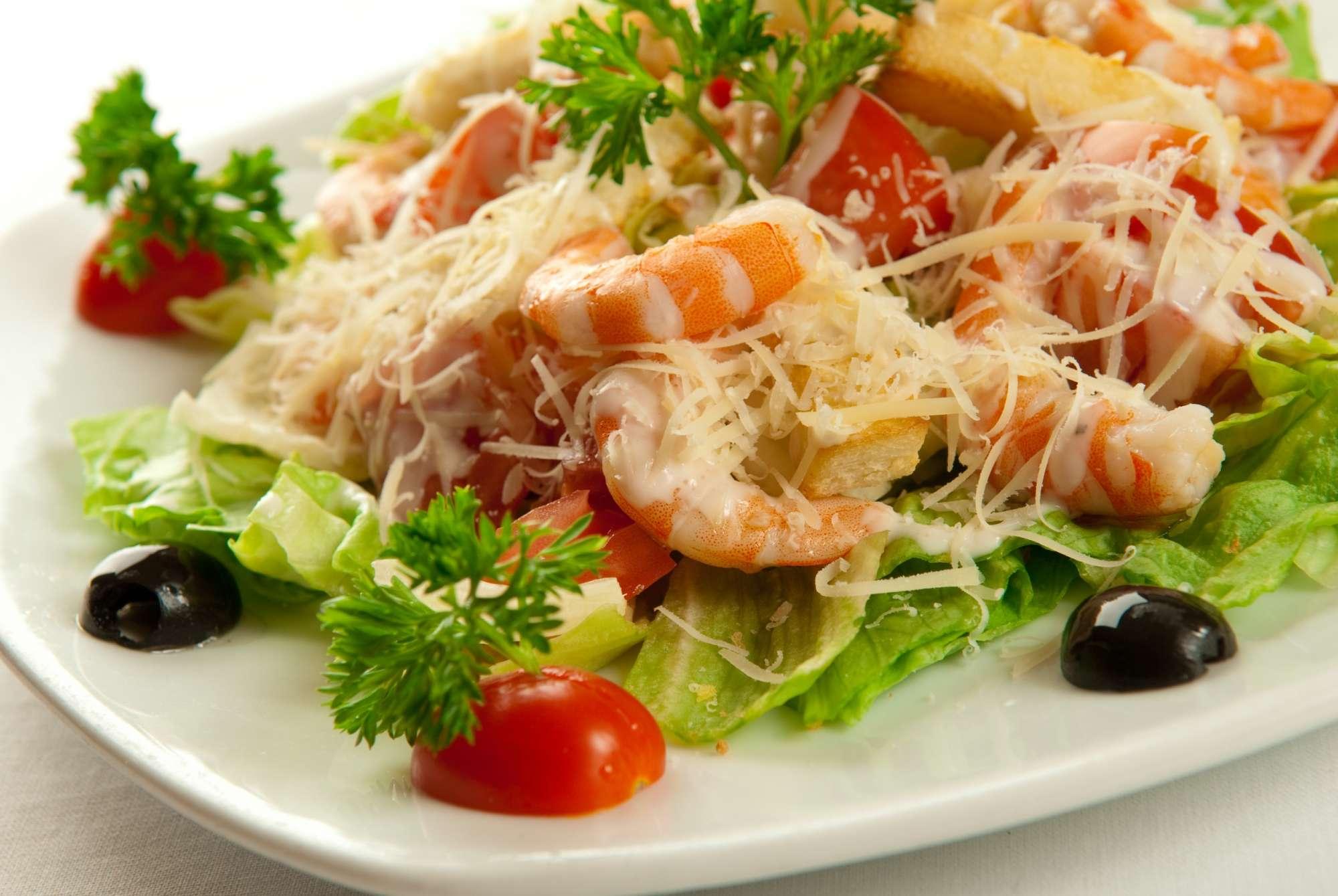 Фото рецепты салата цезаря с креветками