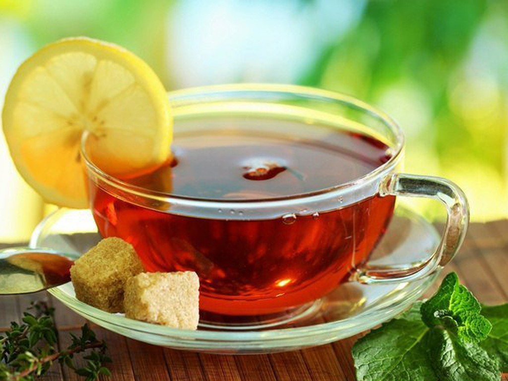 утренняя девушка с чаем  № 2871345 бесплатно