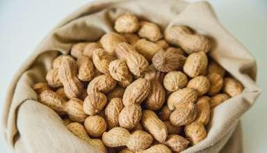 Что полезнее жареный или сырой арахис?