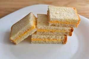 Сколько калорий в бутерброде с маслом и сыром1