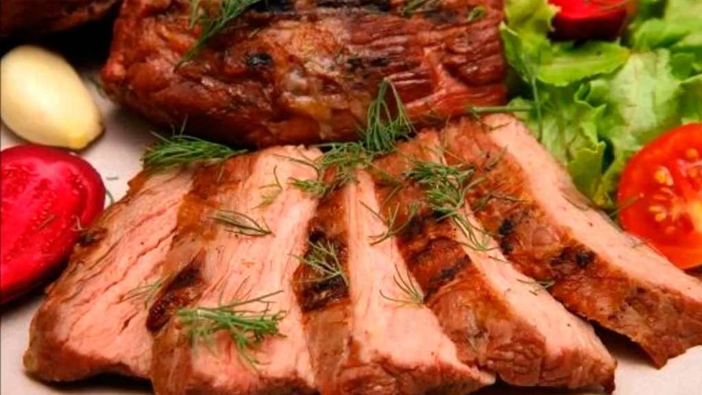 сколько калорий в говядине запеченой в духовке